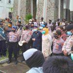 Penolakan Terhadap UU Cipta Kerja Menggema Sampai ke Perbatasan Indonesia-Malaysia