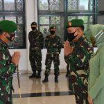 16 Prajurit Korem 091/ASN Dapat Kenaikan Pangkat Satu Tingkat Lebih Tinggi