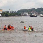 Lagi Memancing Depan Kantor Gubernur, Hariyadi Tiba-tiba Lompat ke Sungai