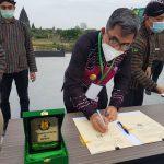 Kutim Dapat Hibahdari Kementerian ESDM 300 Unit PJU-TS Untuk 8 Desa