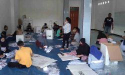 KPUD Nunukan Batasi Jumlah PekerjaMelipat dan Sortir Surat Suara