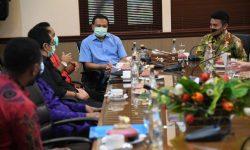 Di Bali, Stafsus Presiden Billy Mambrasar Bahas Manajemen Talenta Muda