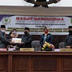 Pjs Bupati Berau Serahkan Raperda APBD Tahun 2021 Rp1,8 Triliun ke DPRD
