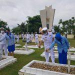 Peringati Hari Armada ke-75, Lanal Nunukan Ziarah ke TMP dan Anjangsana