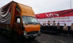 Wakapolda Jatim Berangkatkan 25.165 Paket Sembako ke Korban Banjir dan Gempa Bumi