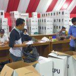 Hadapi Gugatan MK, KPUD Nunukan Buka Kotak Suara Disaksikan Bawaslu dan Kepolisian