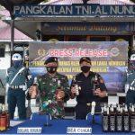 Sinergi Nyata, Danlanal Nunukan Serahkan Miras Hasil Tangkapan ke KPPBC Nunukan