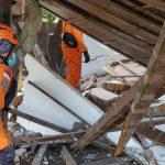 Basarnas Balikpapan Sisir 8 Titik Reruntuhan di Mamuju, Korban Baru Nihil