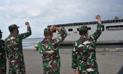 Lepas Yonif 611/Awl Tugas Pamtas RI-PNG, Danrem : Kembalilah dengan Kebanggaan!