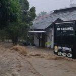 Banjir Bandang Terjang Permukiman Bukit Pinang Usai Hujan Deras