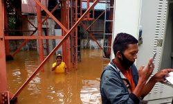 Banjir di Kalsel, Telkomsel Kerahkan Genset Buat Jaga Kualitas Sinyal