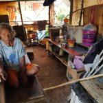 Juliana Ningkede, Penyandang Disabilitas Tinggal di Gubuk Berdindingkan Spanduk