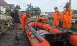 Tim SAR Masih Cari Pekerja Cuci Mobil di Tenggarong yang Tenggelam Bersama Strada
