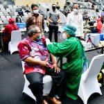Vaksinasi COVID-19 Bagi Pekerja Publik Dimulai 17 Februari 2021