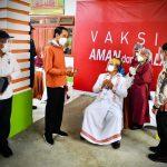 Presiden Jokowi Tinjau Vaksinasi Massal COVID-19 di Tana Toraja