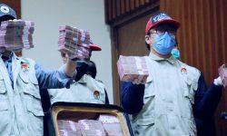 KPK Tahan Tersangka Penerima Gratifisikasi dari Sulawesi Selatan