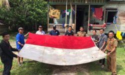 Cerita Bendera Merah Putih di Lumbis Hulu Berusia 76 Tahun