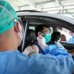 Kemenkes Sediakan Layanan Drive Thru Vaksinasi COVID-19 Bagi Lansia
