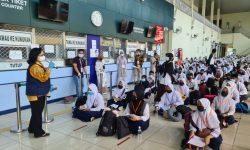 KRI Tawau Berangkatkan 242 Anak PMI yang Akan Bersekolah di Indonesia