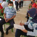 Petugas Rutan Samarinda Divaksin, Ali Sampai Dipegangi Erat Tiga Temannya