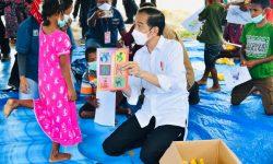Presiden Tinjau Posko Pengungsian di Lembata, NTT