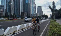 Polisi : Separator Jalur Sepeda dari Beton Berbahaya