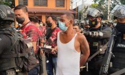 Polisi Hancurkan Bedeng Narkoba di Kampung Ambon