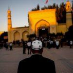 Ratusan Ulama Uighur China Diciduk di Xinjiang, Jadi Imam Salat Didakwa Ekstremisme
