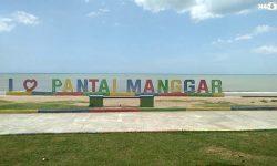Pendapatan Pariwisata dari Pantai Manggar Turun Drastis