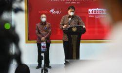 Airlangga: Pemerintah Naikkan Plafon KUR Tanpa Jaminan Rp100 Juta