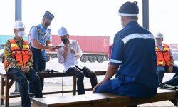 Sopir Kontainer Keluhkan Premanisme dan Pungli, Presiden Langsung Telepon Kapolri