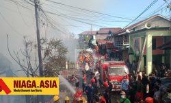 Kebakaran Kembali Terjadi di Gunung Bugis, 8 Rumah Hangus