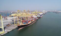 Pelindo III Catat Pertumbuhan Arus Kapal dan Barang 6 – 7 Persen