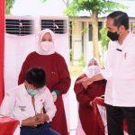 Presiden Jokowi Minta Percepatan Vaksinasi di Luar Jawa-Bali