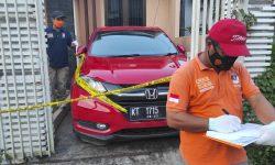 Olah TKP, Barang Mencurigakan Ini Dibawa Polisi dari Kontrakan Juwanah di Samarinda