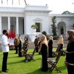 Airlangga: Pemerintah Segera Gulirkan Bantuan Tunai untuk PKL dan Warung