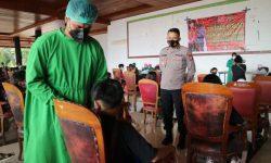 Gandeng Tokoh Adat, Edukasi Pentingnya Vaksin COVID-19