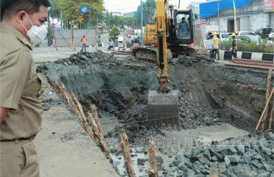 Wali Kota Tinjau Progres Proyek Pengendalian Banjir di Kota Samarinda