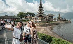 Kasus COVID-19 Mereda, Bali Dibuka Kembali Bagi Turis Asing
