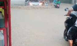 Hujan Lebat di Samarinda Banjiri 32 Ruas Jalan